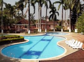 Hotel Lagos de Menegua, Puerto López