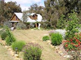 Moonbeam Cottages & Rainbow Cafe, Moonambel