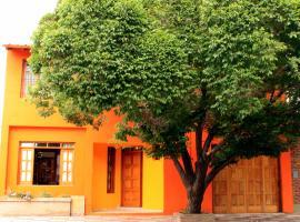 Huar Hostel, Maipú