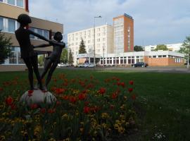 Hotel Phőnix, Tiszaújváros