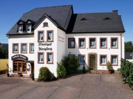 Gästehaus Weingut - Fröhliches Weinfass, Kenn