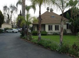 Starlite Cottage Motel, Sherman Oaks