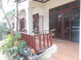 Dok Champa Guesthouse, Champasak