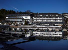 Holmen Fjordhotell, Nes