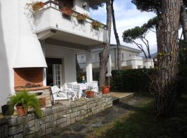 Villa Bianca, Marina di Pietrasanta