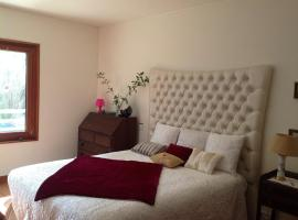 Canas Guest House in Lisbon (AL), 리스본