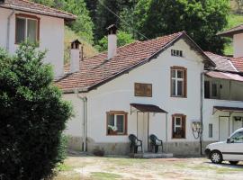 Petleto Houses, Sokolovtsi