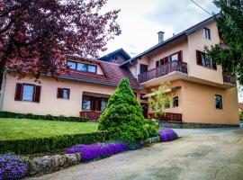 Apartments and Rooms Štefanac, Slunj