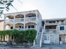 Apartments Božović, Putniković