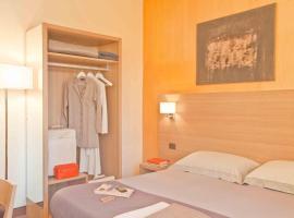 Hotel First, Calenzano