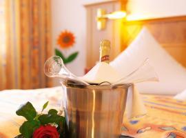 Hotel Hirsch mit Café Klösterle, Enzklösterle