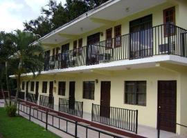 Hotel Hidden Village, Aguada