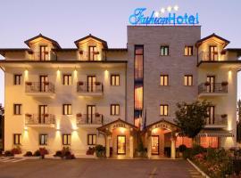 Fashion Hotel, Valmontone