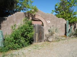 Casa Encantada, Hotchkiss