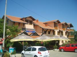 Motel Jezero, Topola