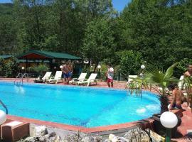 Eko Resort Momir, Openica
