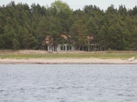 Villa Dirhami, Dirhami