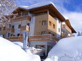Alpine Mugon Hotel, Vason