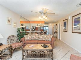 Hibiscus 303-B by Vacation Rental Pros, Crescent Beach