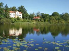 Villa am Trumpf - Individuelle Ferienwohnungen am See, Melzow
