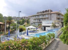 Hotel Lachea, Aci Castello