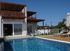 Οssiano Pool Villas, Haraki
