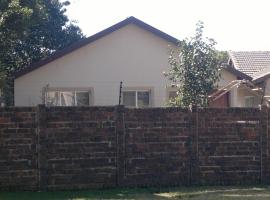 Guesthouse Blessed Toes Self Catering, Alberton