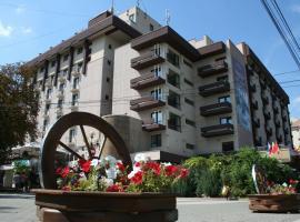 Hotel Rapsodia, בוטוסאני