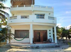 Villa Saskal, El Cuyo