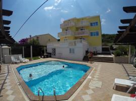 Apartments Romana, Slatine