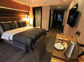 The Black Hotel, אסקיסהיר