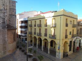 The Flat on the Square, Ulldecona
