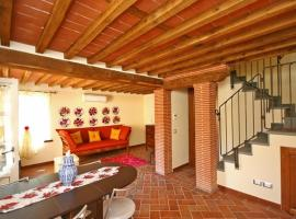 Apartment in Lucca IV, Santa Maria del Giudice