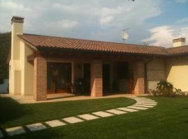 Lovely House, Rosà