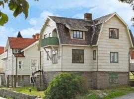 Two-Bedroom Holiday home in Smögen, Smögen