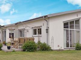 Two-Bedroom Holiday home in Stråvalla, Frillesås