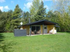 Two-Bedroom Holiday home in Sjællands Odde 3, Yderby