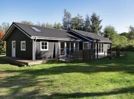 Three-Bedroom Holiday home in Sjællands Odde 6, Yderby