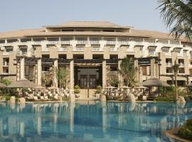 Sofitel Dubai The Palm Resort & Spa, Дубай