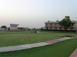 Treehouse Dwarka Neemrana, Baraud