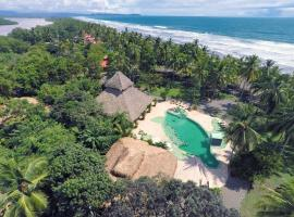 Clandestino Beach Resort, Parrita