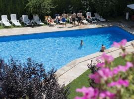 Hotel Restaurant Pessets & SPA, Sort