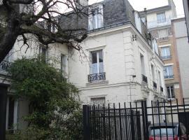 Le Petit Mansart, Vincennes
