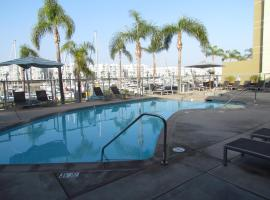 Tahiti Near the Beach with Full Amenities, Los Angeles