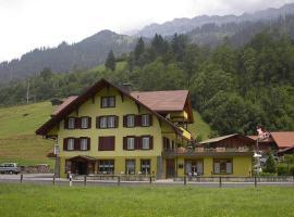 Hotel Alpenruh, Kandergrund