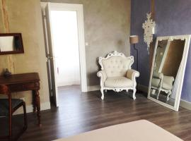 La Maison Bleue, 레제