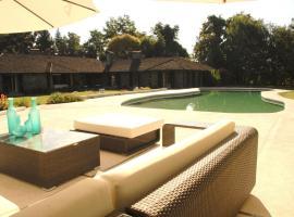 Comalle Hotel & Lodge, Comalle