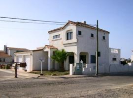 Villa Baja Barr, Cabo Punta Banda