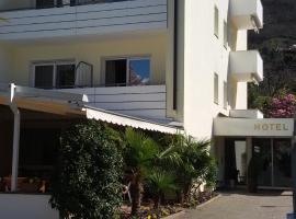 Hotel Maximilian, Мерано