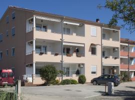 Apartments Kennedy, Peroj